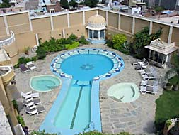 Swimming Pool :: Hotel Deogarh Mahal